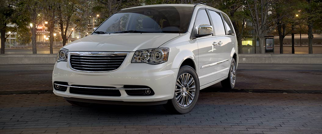 grand caravan town to country dodge compare minivan and chrysler vs comparisons