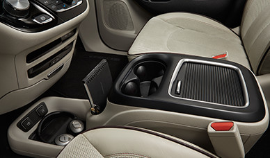 Abundant leg, head and shoulder room in the Pacifica 2017